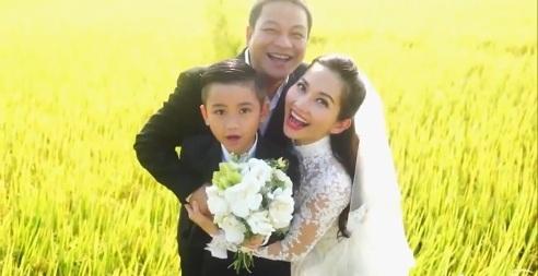 Kim Hiền rạng rỡ trong ảnh cưới mới nhất cùng con trai và chủ rể thứ 2 của đời mình