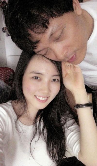 Ở tuổi 47, đạo diễn Ngô Quang Hải tìm thấy hạnh phúc mới bên vợ trẻ 9X
