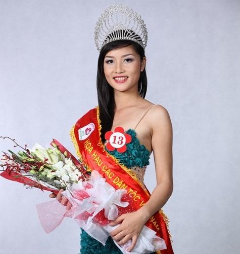 Triệu Thị Hà đăng quang