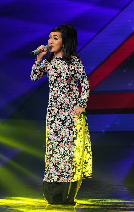 Hà Vân tiếp tục chinh phục khán giả bằng tiếng hát ngọt ngào