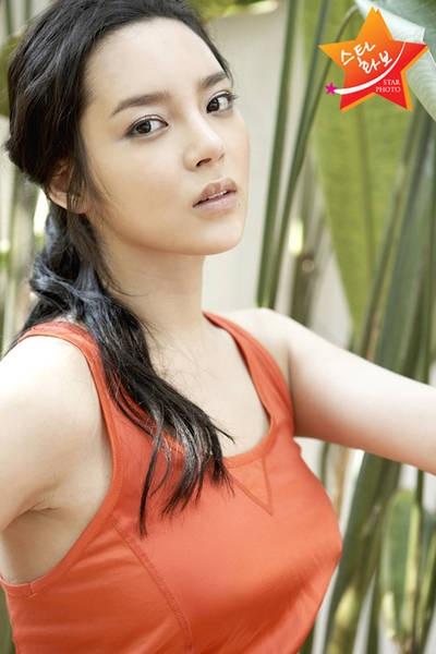 Hình ảnh quảng cáo của Park Shi Yeon luôn khiến khán giả nghĩ rằng cô có một khuôn mặt đẹp.