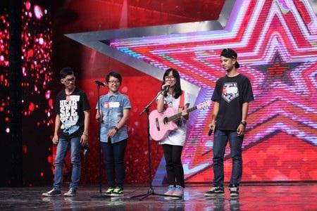 Nhóm L2V8 được giám khảo Huy Tuấn ví hát như cãi nhau
