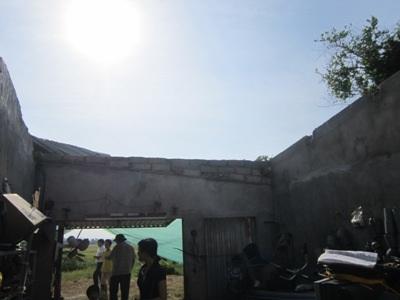 Hộ gia đình anh Trần Quốc Quế (xóm 3, xã Gia Hanh) bị tốc mái hoàn toàn