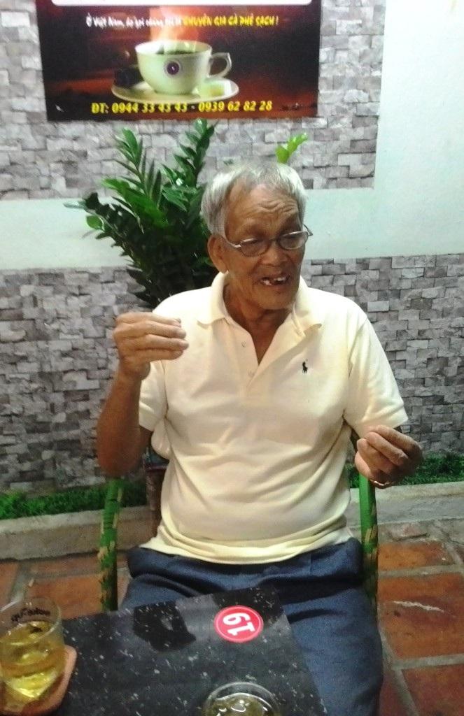 Ông Nguyền Bùi chủ của tờ vé số trao đổi với phóng viên về vụ việc