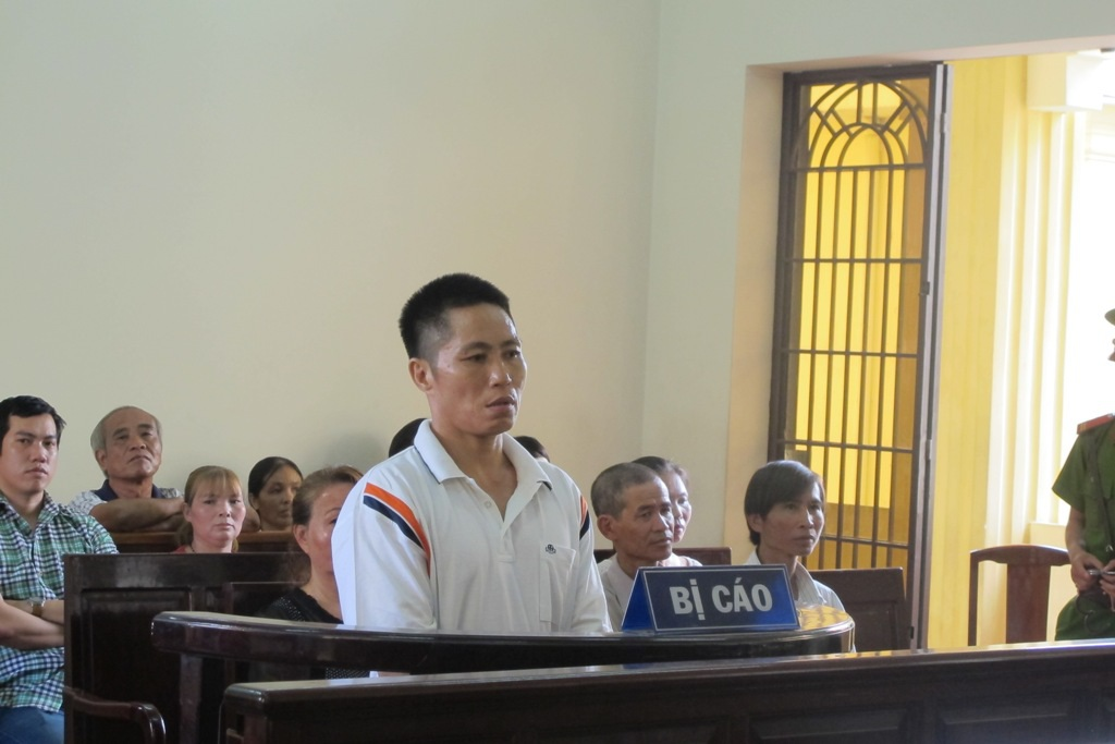 Bị cáo Nguyễn Xuân Thái trước vành móng ngựa