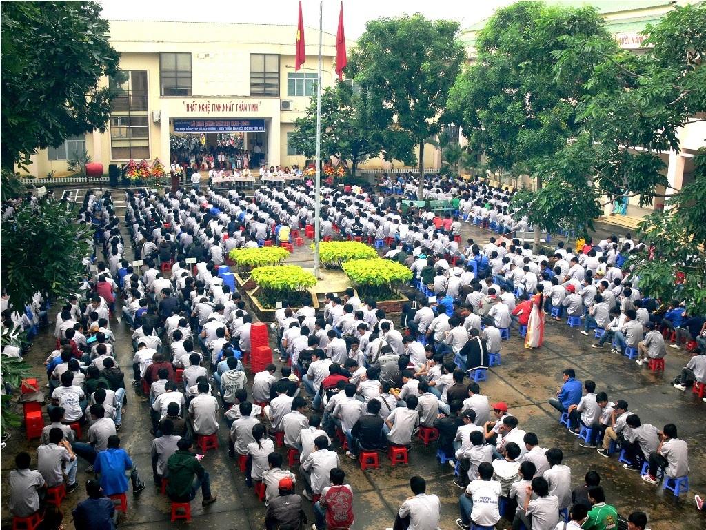 Trường Cao đằng Nghề Thủ Đức được thành lập trên cơ sở nâng cấp trường Trung cấp Nghề Thủ Đức