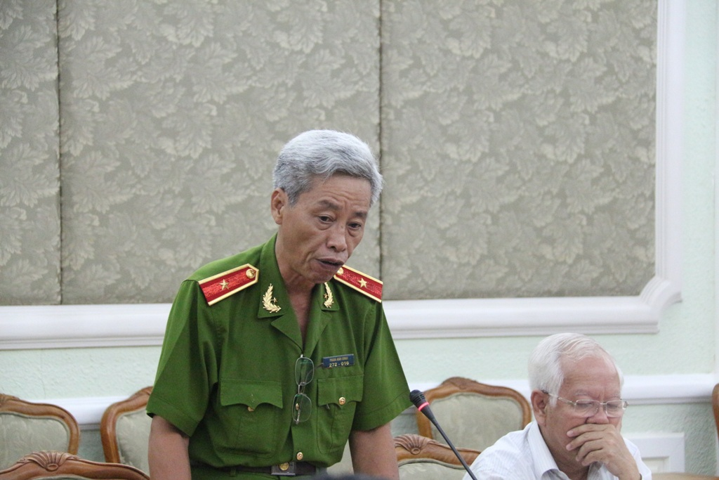 Thiếu tướng Phan Anh Minh báo cáo tình hình khắc phục sự cố sập giàn giáo