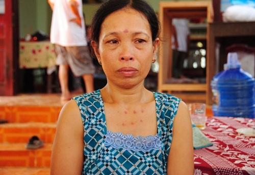 Bà Thọ vừa bị ngã khi đu dây qua sông, chưa hồi phục thì nhận tin dữ của chồng.