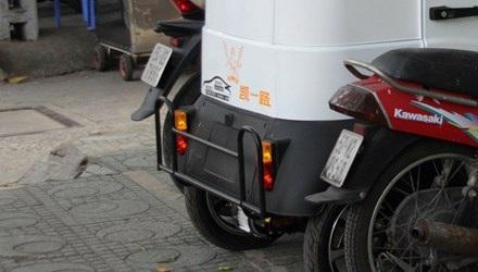 Xe điện Trung Quốc chưa được cấp biển số trên đường phố Sài Gòn.