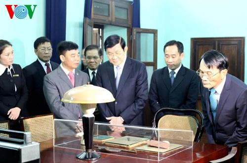 Chủ tịch nước dâng hưởng tưởng nhớ Chủ tịch Hồ Chí Minh