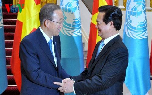 Thủ tướng nhiệt liệt chào mừng ông Ban Ki moon đến thăm Việt Nam