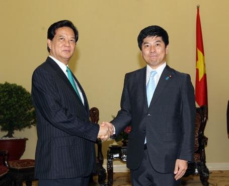Thủ tướng Nguyễn Tấn Dũng đón tiếp Thứ trưởng Ngoại giao Nhật Bản Nakane Kazuyuki.