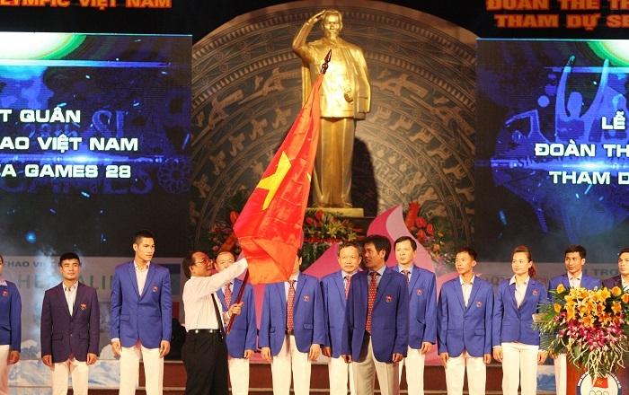 Bộ trưởng Hoàng Tuấn Anh tại lễ xuất quân của đoàn thể thao Việt Nam.