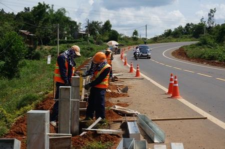 Con đường mới đã mang lại rất nhiều cơ hội cho sự phát triển của địa phương