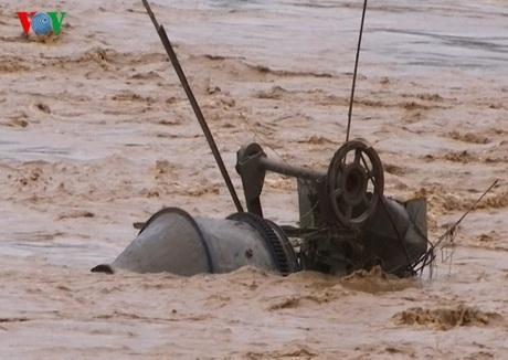 Nhiều tài sản của người dân bị nước lũ cuốn trôi