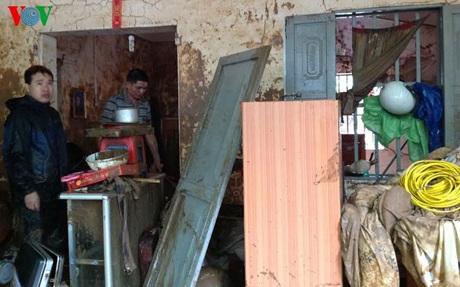 Tài sản hàng hóa của một gia đình ở Bon Phặng hư hỏng nặng sau lũ