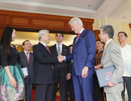 Tổng Bí thư Nguyễn Phú Trọng tiếp Nguyên Tổng thống Mỹ Bill Clinton.