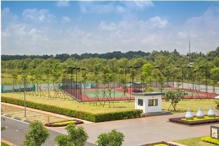 Sân quần vợt trong Lotus Sport Center