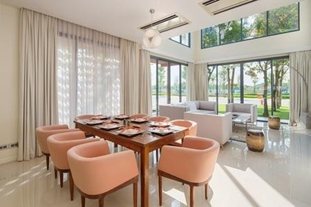 Phòng ăn trong căn biệt thự Đại Phước Lotus