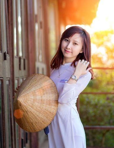 Cô giáo trẻ Hoài Thương xinh xắn, giỏi giang