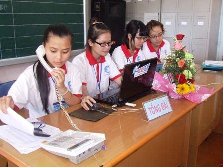 Tổng đài đường dây nóng sẵn sàng hỗ trợ và hướng dẫn các thí sinh