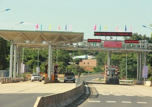 Một trạm thu phí được xây dựng trên tuyến đường Hồ Chí Minh