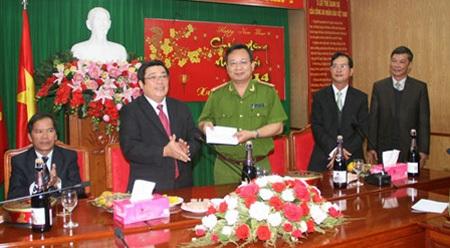 Lãnh đạo tỉnh Lâm Đồng khen thưởng lực lượng công an
