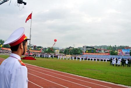 Đoàn tiêu binh sẵn sàng cho lễ diễu hành, đón các đoàn diễu hành tiến qua lễ đài.