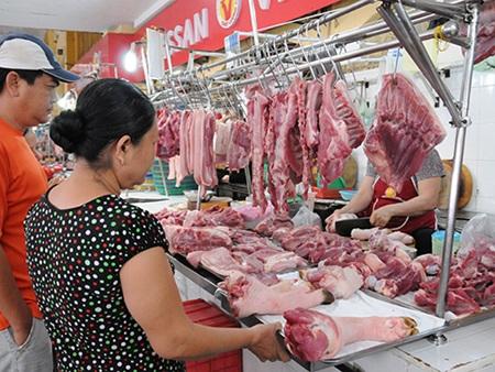 Chợ Bến Thành, TP HCM vắng vẻ khách mua hàng trong ngày 1-5 Ảnh: HỒNG THÚY