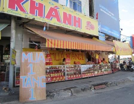 Cửa hàng trên đường Bà Hom, quận 6
