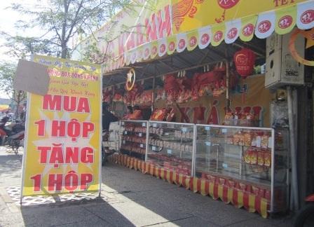 Cửa hàng tại vòng xoay phú Lâm quận 6