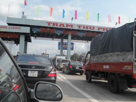 Mức phí đường cao tốc TPHCM - Trung Lương bị các doanh nghiệp vận tải phản đối vì quá cao