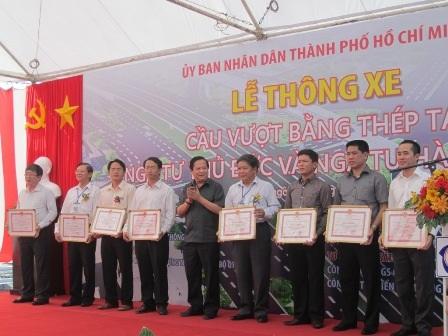 Thứ trưởng Nguyễn Văn Công đánh giá cao kết quả đạt được của chủ đầu tư và đơn vị thi công