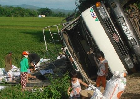 Phạt nặng hành vi hôi của khi xảy ra tai nạn giao thông