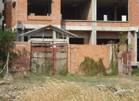 Những ngôi nhà chủ cẩn thận thì bít kín cửa
