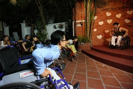 Lớp học nhảy trên xe lăn đầu tiên ở Việt
