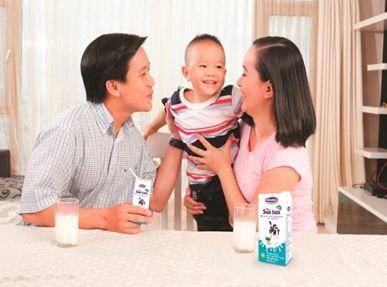 Nên cho trẻ dùng thêm sữa t