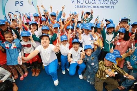 Các em nhỏ tham gia rất hào hứng và tích cực