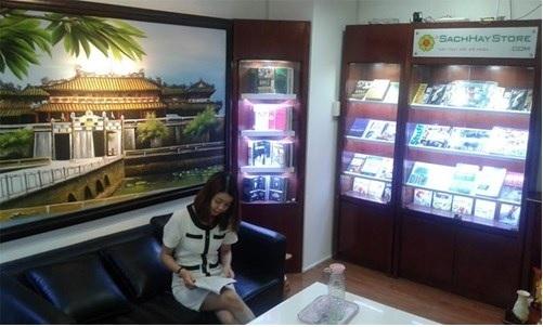 Không gian đọc sách tại văn phòng công ty do sachhaystore thiết kế
