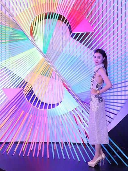 Đạo diễn Victor Vũ công bố dự án làm phim về những sắc màu
