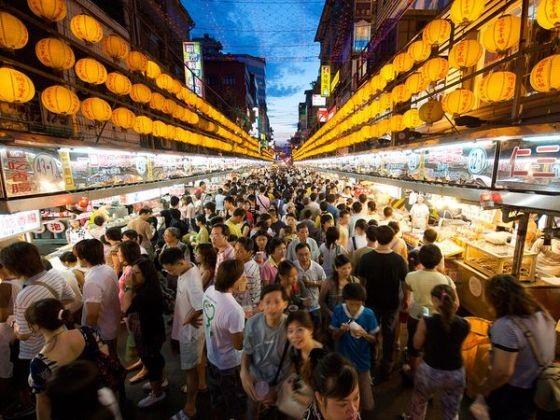 Một khu chợ đêm tại Đài Loan.