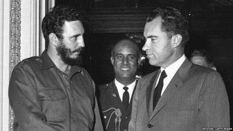 Năm 1959, TT Fidel Castro gặp phó TT Mỹ Richard Nixon. Ảnh: Getty