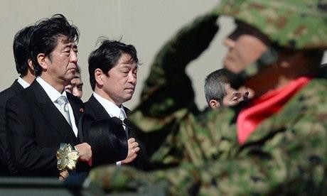 Trong nhiệm kỳ mới của mình, Thủ tướng Nhật Shinzo Abe liên tục tăng chi tiêu quốc phòng. (Ảnh: