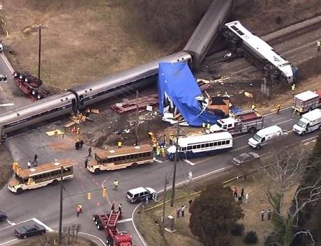 Quang cảnh hiện trường tai nạn nhìn từ trên không. (