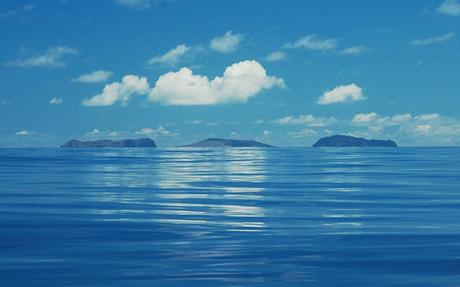 Đảo mới được hình thành nằm giữa 2 hòn đảo cũ tại Nam Thái Bình Dương.