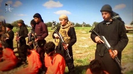 8 con tin người Syria bị hành quyết trong đoạn video mới của IS. (Ảnh: