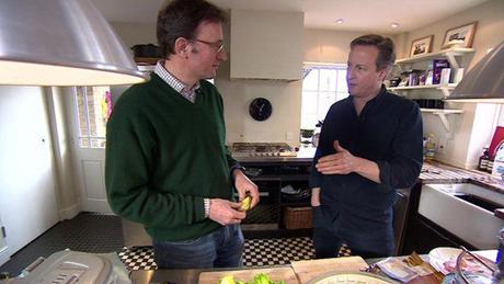 Thủ tướng Anh David Cameron (phải) tuyên bố không ứng cử nhiệm kỳ 3. (Ảnh: