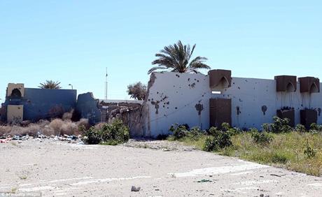 Chỉ còn một vài bức tường đổ nát của dinh thự sang trọng bậc nhất Tripoli.