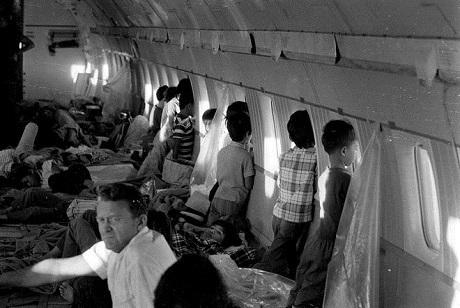 Ước tính có khoảng 2.700 trẻ em rời Việt Nam trong chiến dịch không vận này. (Ảnh: