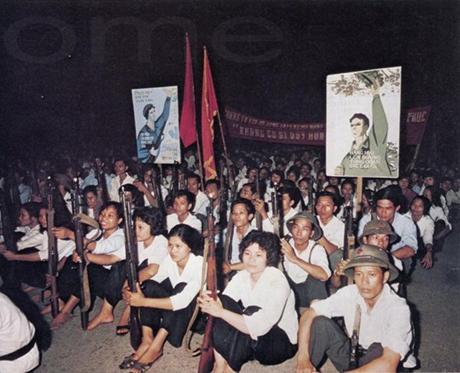 Ảnh chụp một nữ dân quân Hà Nội vào năm 1972.